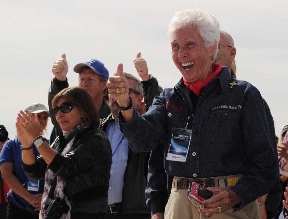 Wally Funk, pioneira das viagens espaciais, vai participar de voo da Blue Origin, de Bezos. Imagem é de arquivo. — Foto: Mark Ralston / AFP