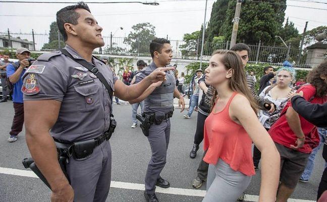 Estudantes enfrentam a polícia, São Paulo (Foto: Reprodução das redes sociais)
