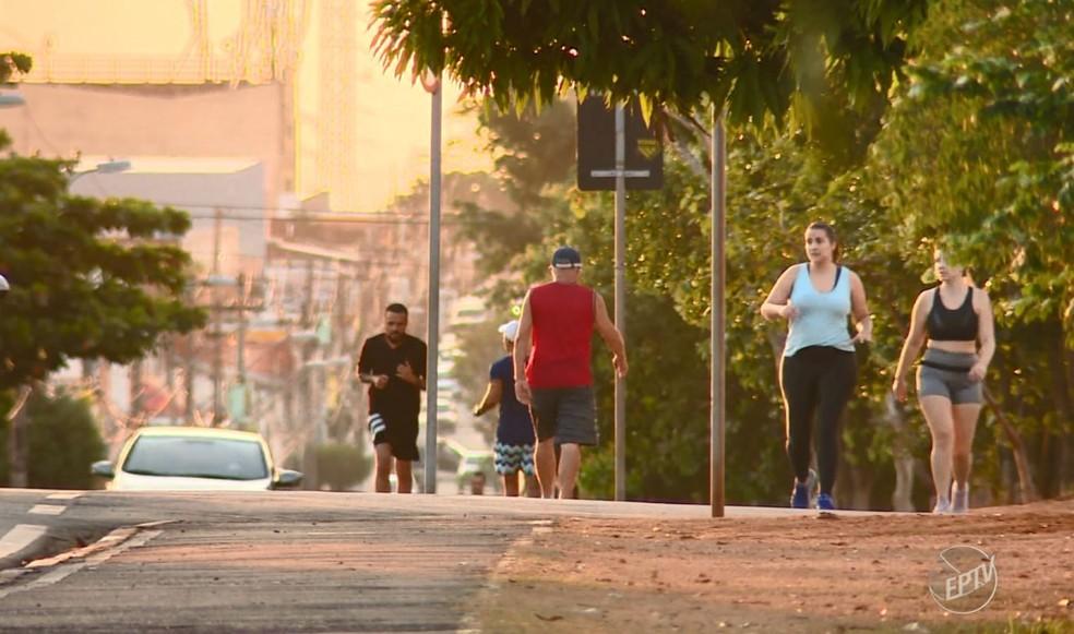 Índice de isolamento social diminuiu na região de Campinas, diz Estado — Foto: Reprodução / EPTV