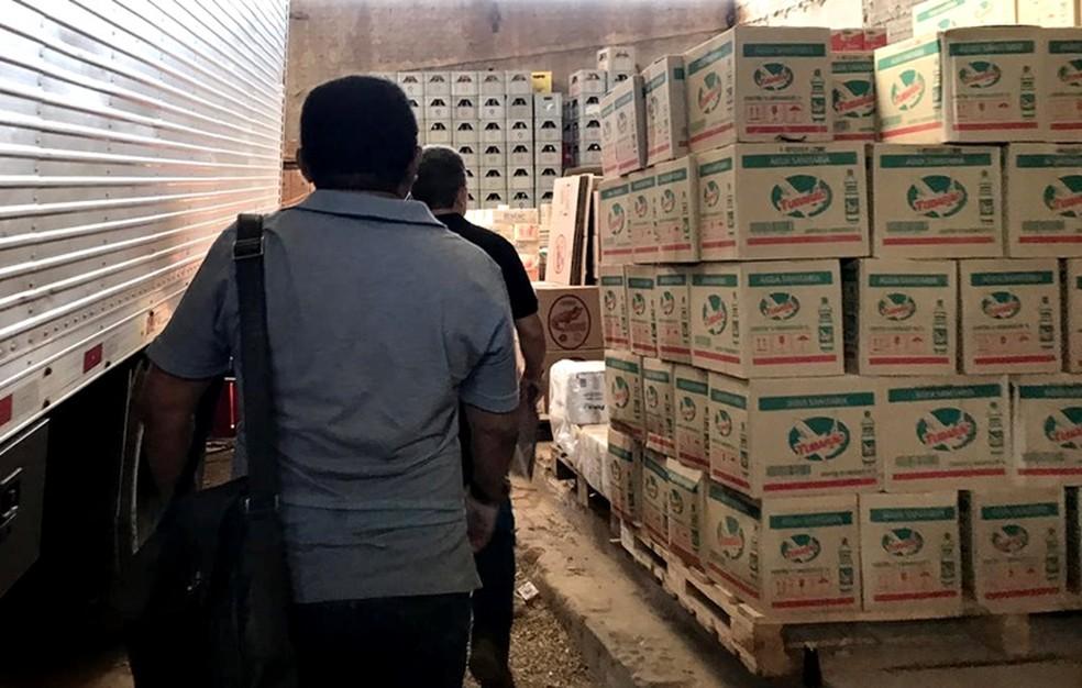 Empresas são autuadas por fraude na venda de açúcar e feijão em Sousa, no Sertão da Paraíba — Foto: Sefaz-PB/ Divulgação