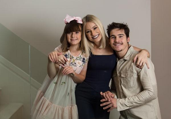 Giselle com os filhos Nicolas e Maria Fernanda (Foto: Ricardo Borges / Editora Globo)