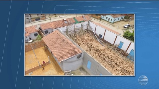 Telhado de igreja desaba durante ensaio de coral no sul da Bahia; integrantes ouvem barulho e escapam ilesos