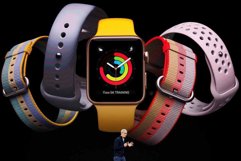 O CEO da Apple, Tim Cook, fala durante evento de lançamento de produtos da empresa, em Cupertino, na Califórnia, nesta terça-feira (12)  (Foto: Stephen Lam/Reuters)