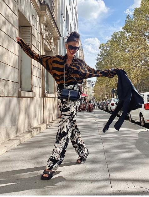 Juliana Paes em Paris (Foto: Reprodução)