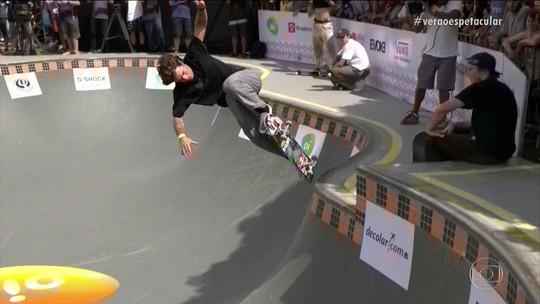 Pedro Barros é campeão do Skate Park Internacional, e Luizinho rouba a cena