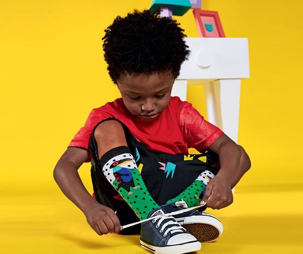 Conquistadores - Bernardo usa meia e bermuda DA Cantarola, tênis converse para passarela e camiseta da Et Nous (Foto: Raquel Espírito Santo)