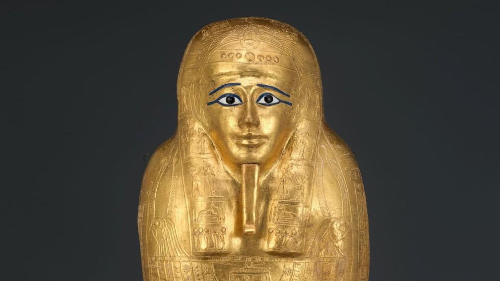 Sarcófago de ouro do Nedjemankh, roubado do Egito em 2011, será devolvido ao país pelas autoridades americanas. — Foto: Manhattan District Attorney