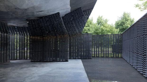 Serpentine Pavilion projetado por Frida Escobedo é inaugurado em Londres (Foto: Divulgação)