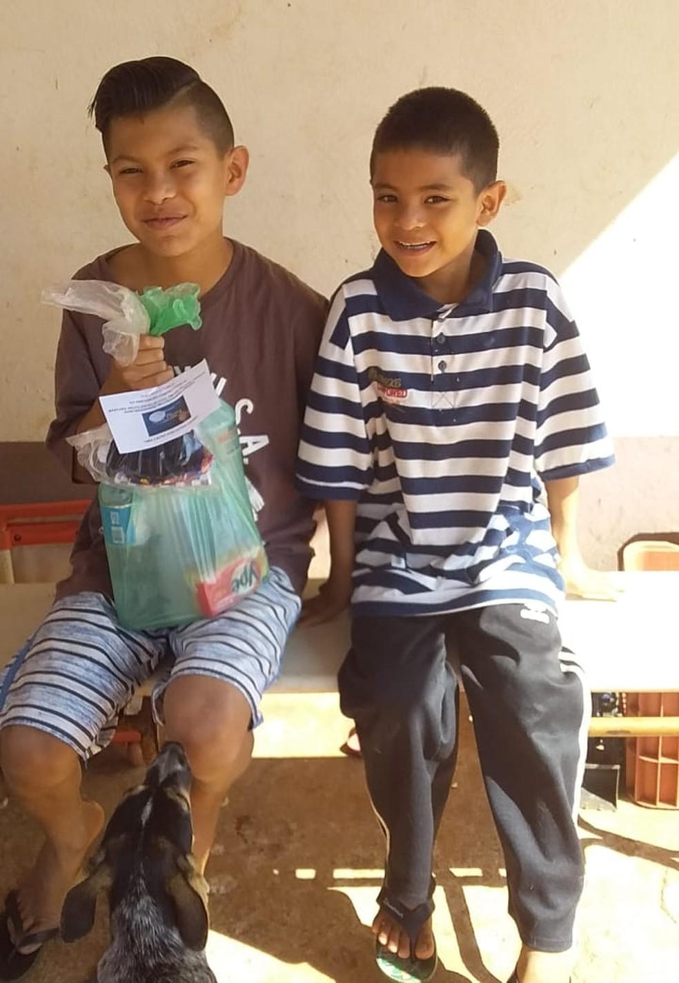 """Campanha """"Uma causa por outra causa"""" foi realizada neste domingo (9) na aldeia em Avaí — Foto: Arquivo pessoal/Tiago Nhandewa"""