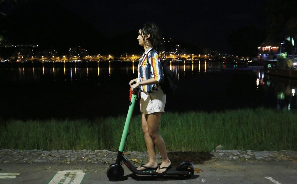 Número de usuários de patinetes elétricos cresce no país  — Foto: Marcos Serra Lima/G1