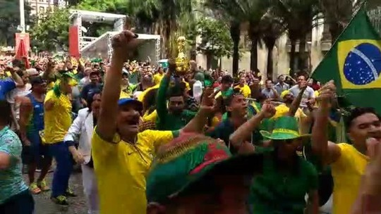 VÍDEOS: na rua, na padaria... Como foi a festa do 1º gol em SP