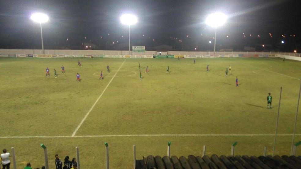 Empate em 2 a 2 no Dorjão é melhor para o time visitante, o Nacional de Pombal (Foto: Rafaela Gomes / GloboEsporte.com)