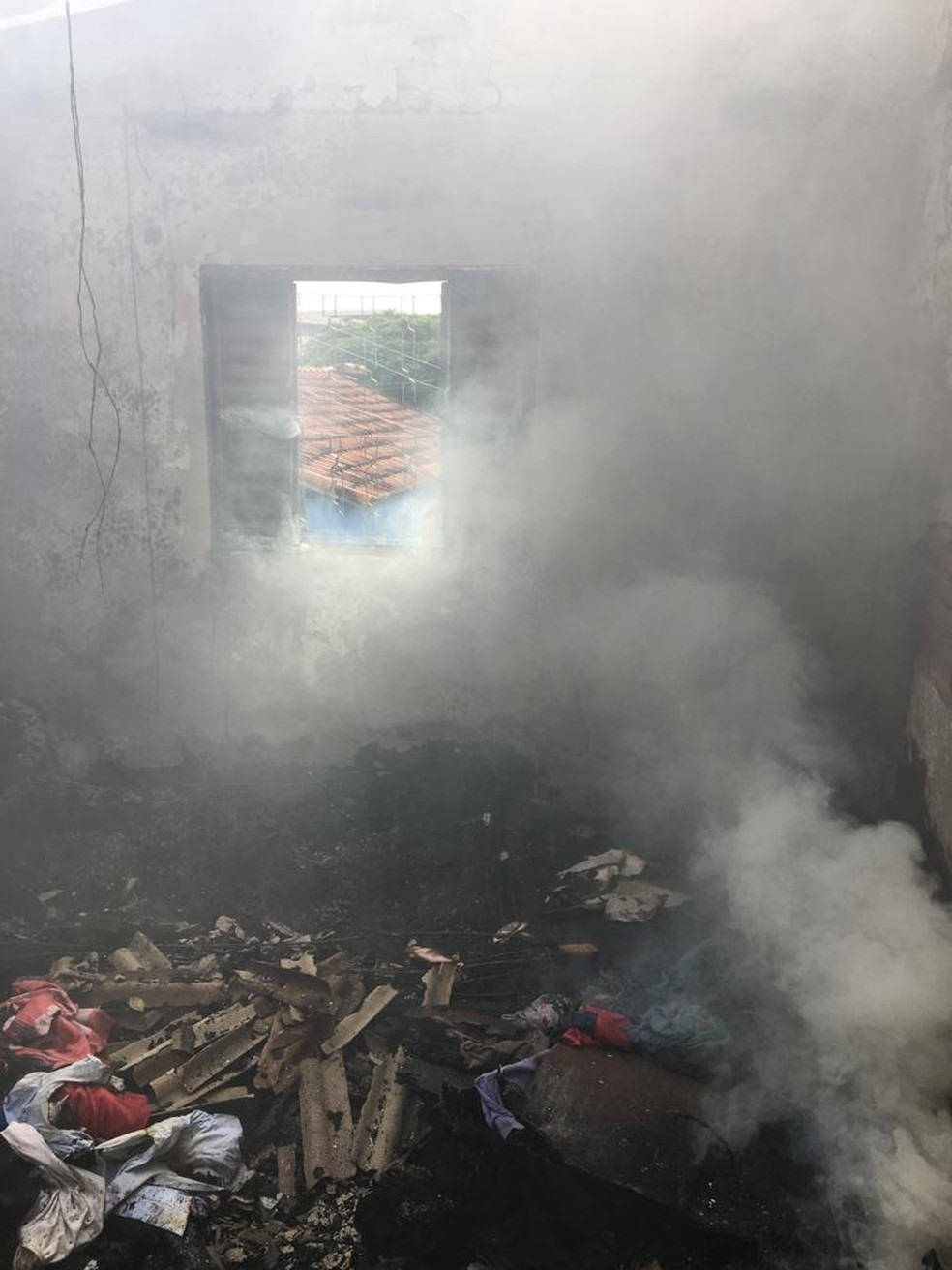 Homem teve 50% do corpo queimado — Foto: Divulgação/Corpo de Bombeiros