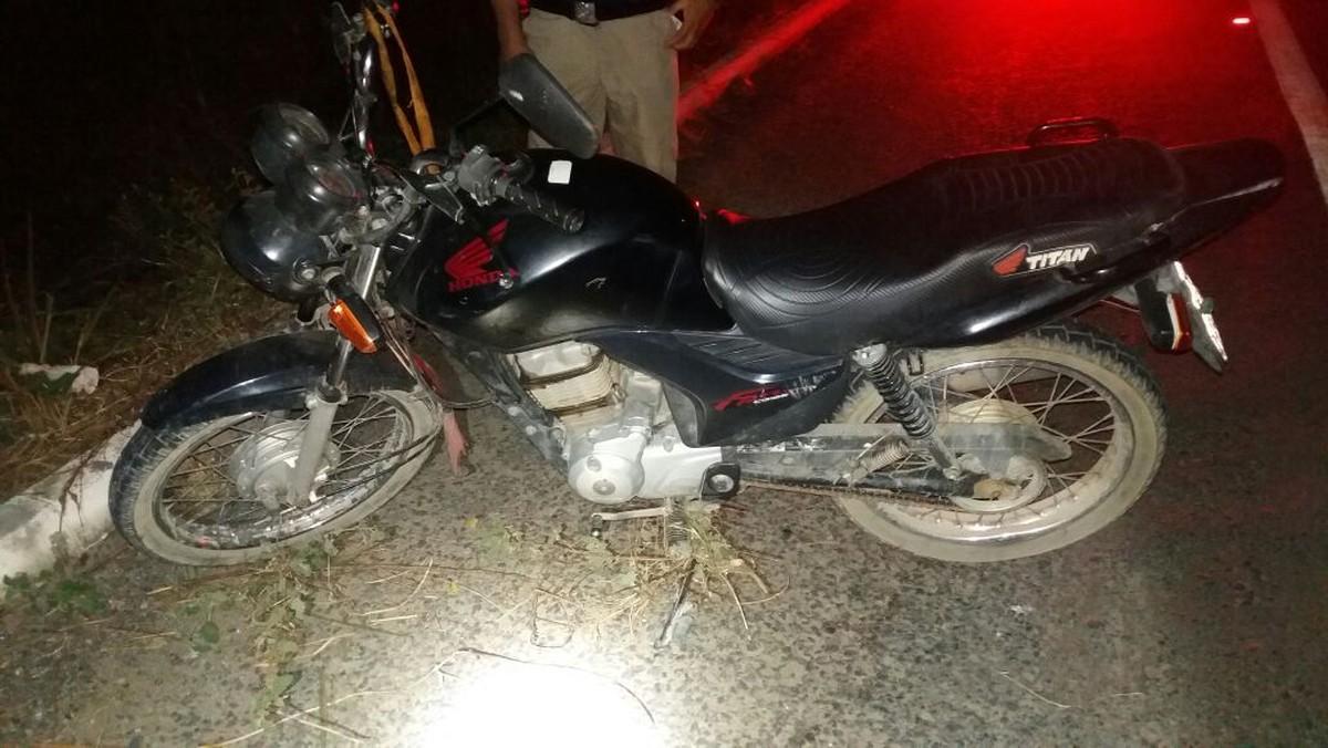 Motociclista morre em acidente após ter um mal súbito na BR-232