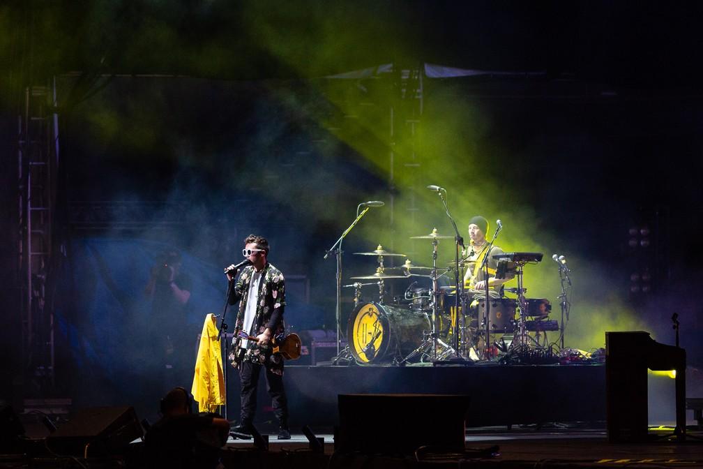 Integrantes do Twenty One Pilots tocam em show da banda no Lollapalooza 2019 — Foto:  Diego Baravelli/G1