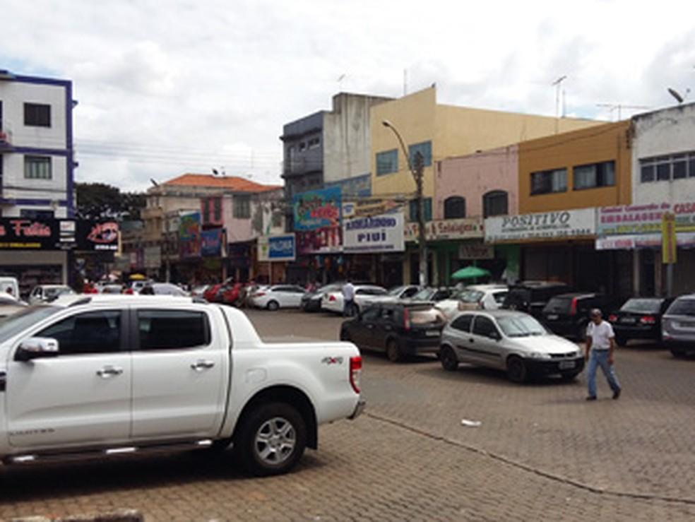 Centro comercial Taguacenter, em Taguatinga — Foto: Isabella Calzolari/G1