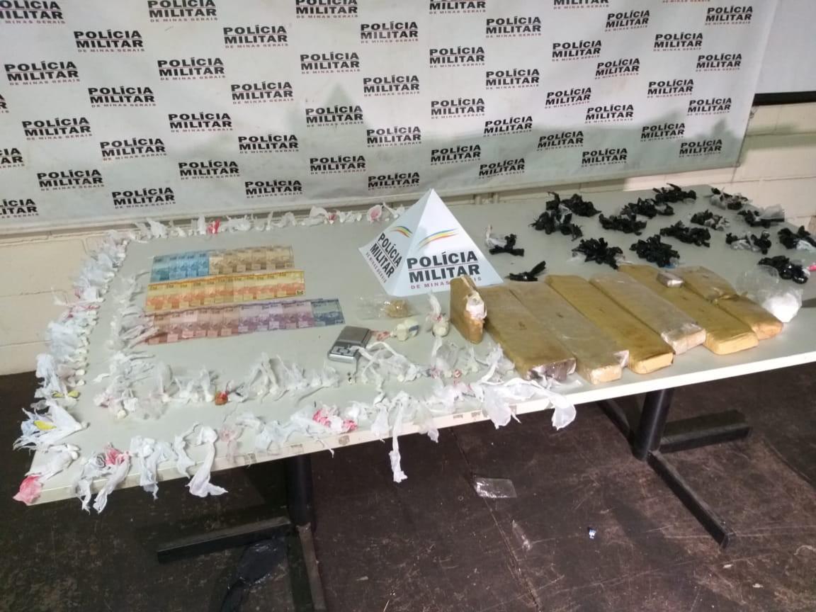 Grupo suspeito de tráfico de drogas é detido em Uberaba; maconha, crack e cocaína foram apreendidos
