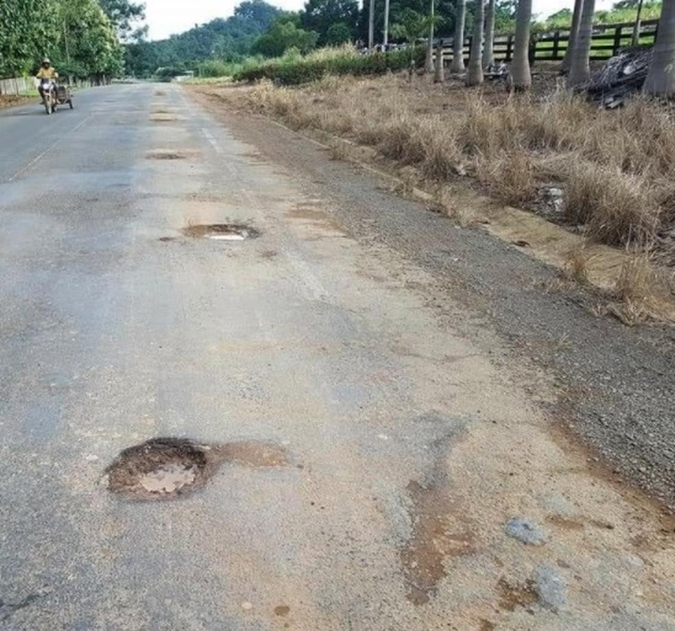 Promotoria de Buritis ingressou com ação civil pública após constatar situação precária da rodovia — Foto: Buritis Agora/Reprodução