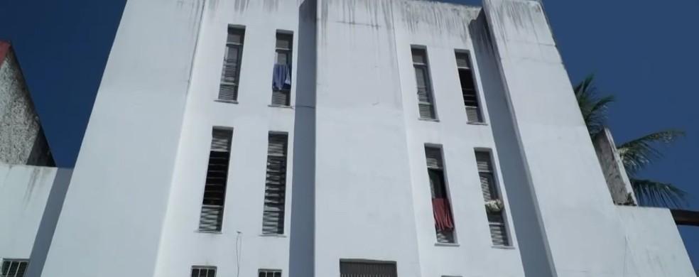 Condomínio na Cidade Alta, em Natal, onde moram famílias contempladas pelo aluguel social — Foto: Tom Guedes/Inter TV Cabugi