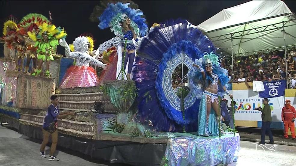 Favela se apresentou na segunda-feira (4) de Carnaval na Passarela do Samba — Foto: Reprodução/TV Mirante