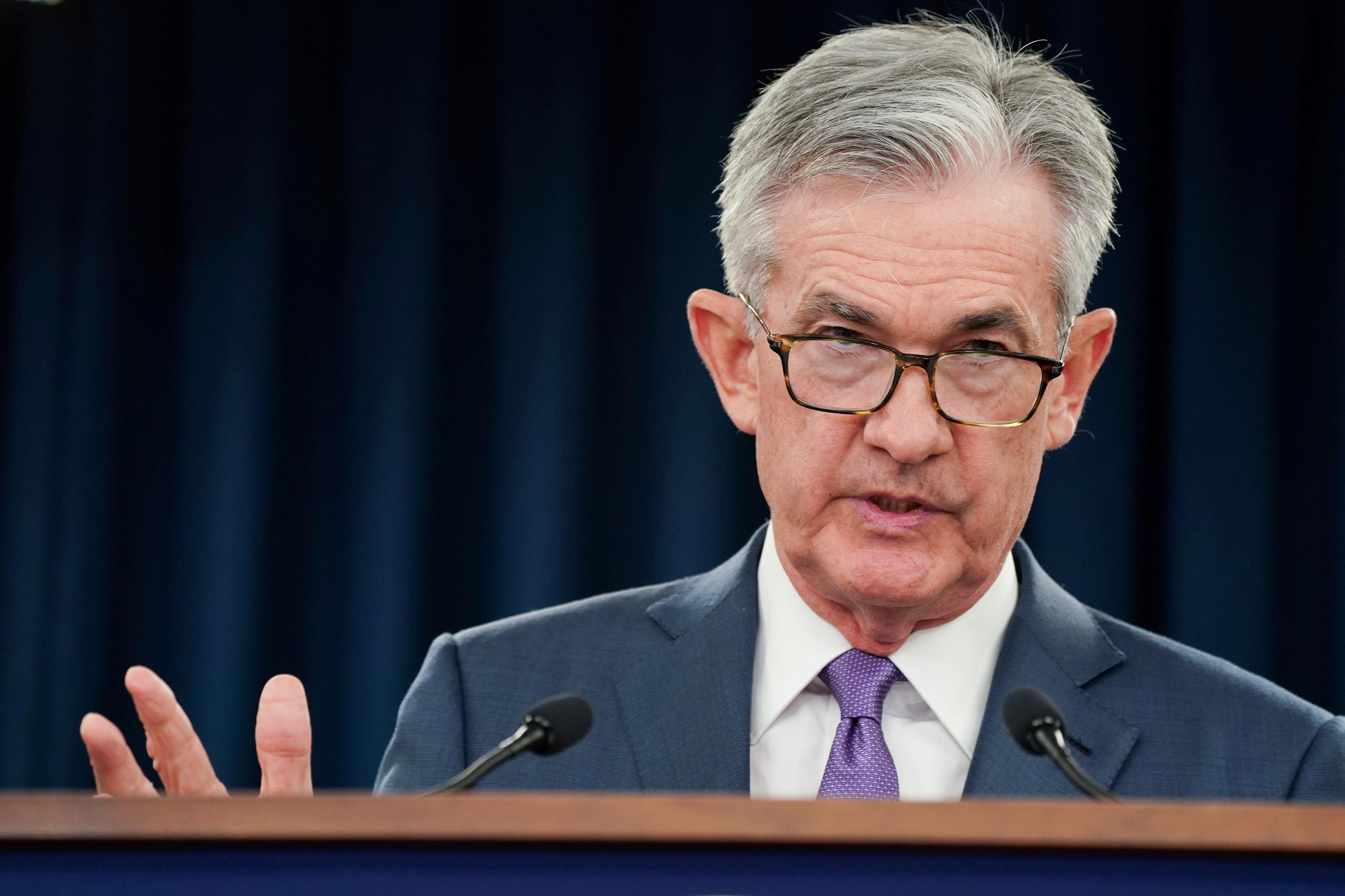 Powell diz que economia está bem, mas avisa que Fed está pronto para agir se necessário