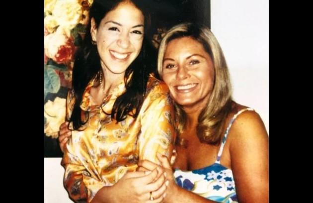 Em outra foto, Vera aparece ao lado da atriz Júlia Almeida, que interpretou a Estela (Foto: Reprodução/Instagram)