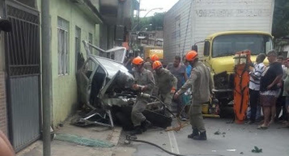Acidente em Bom Jesus do Norte (Foto: Alan Golçalves/colaborador Rede Gazeta)
