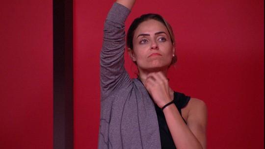 Paula fuxica sobre sister em prova: 'Ela está grogue'