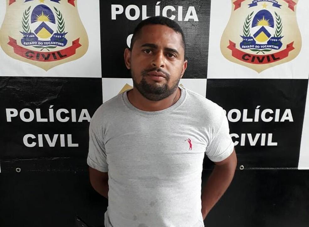 Homem foi preso em Araguaína suspeito de exigir pagamento para não divulgar fotos de jovem (Foto: Divulgação)