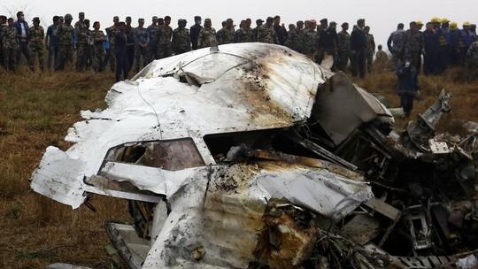 Resultado de imagem para Caixa-preta é recuperada do avião turco que caiu com noiva e amigas
