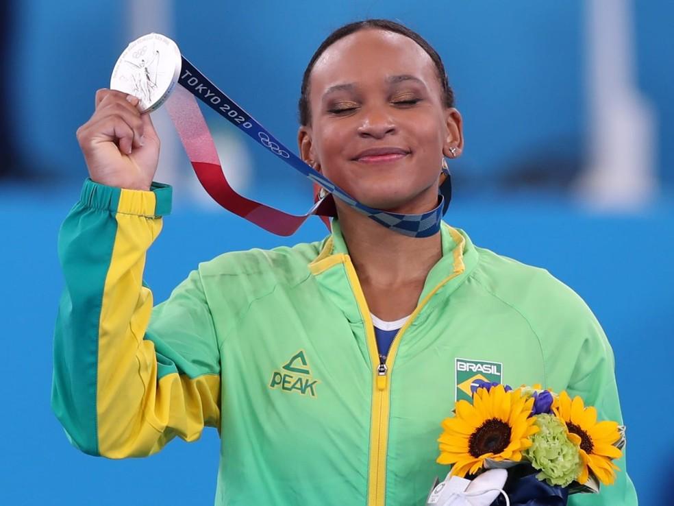 Rebeca Andrade conquista a prata nas Olimpíadas — Foto: Ricardo Bufolin / Panamerica Press / CBG