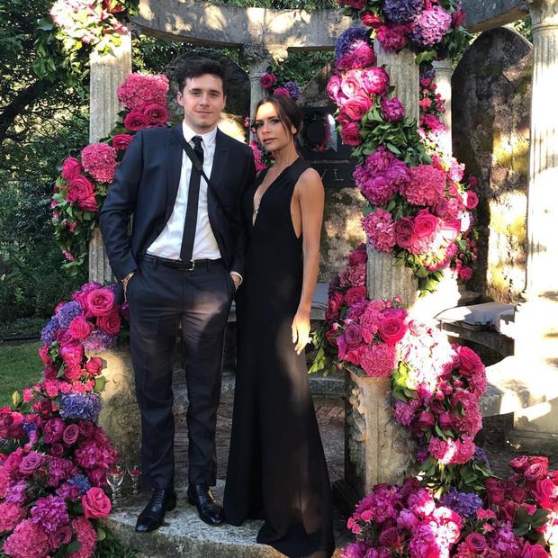 Brooklyn e Victoria Beckham no Argento Ball for The Elton John Foundation, em Windsor (Foto: Instagram Victoria Beckham/ Reprodução)
