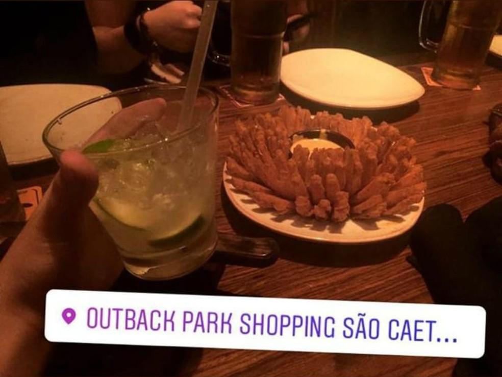 Filha de suspeita de atirar contra jovem fez 'check-in' em restaurante em São Caetano â?? Foto: Reprodução