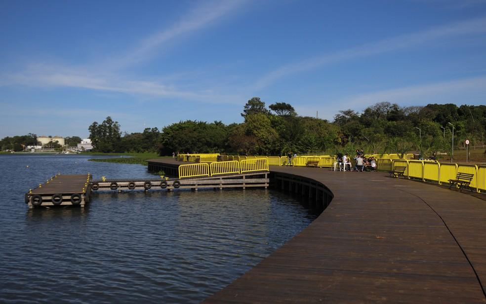 Deck Sul faz parte do projeto de recuperação da orla do lago — Foto: Dênio Simões/Agência Brasília