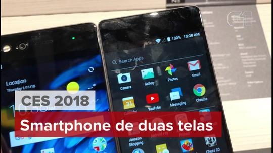 Celular da ZTE tem dupla tela que roda dois aplicativos ao mesmo tempo