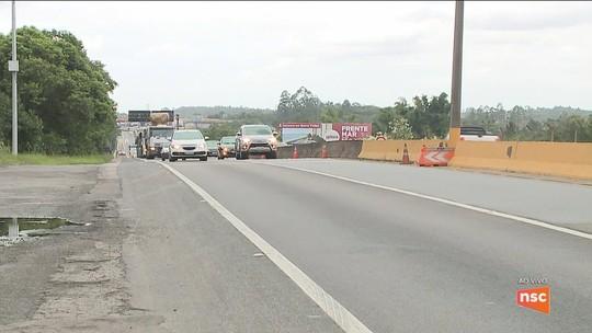 Veículos pesados têm restrição de circulação em rodovias federais de SC no retorno do carnaval