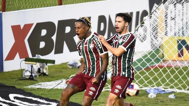 Abel comemora o gol do Fluminense sobre a Portuguesa