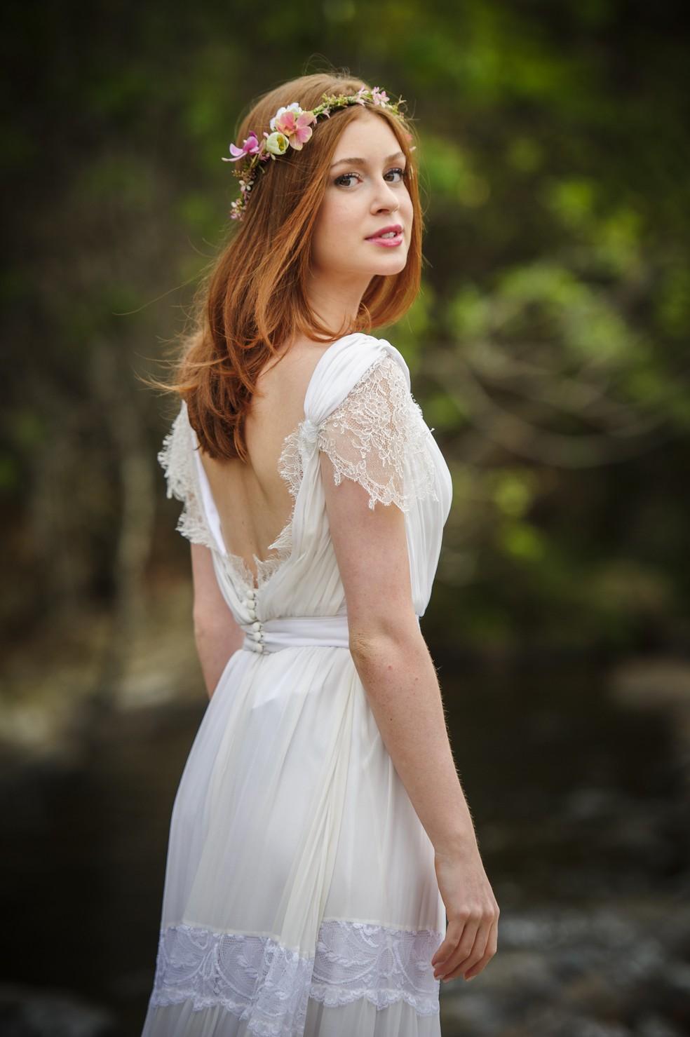 Maria Isis (Marina Ruy Barbosa) usou vestida dado por José Alfredo (Alexandre Nero) no dia do seu casamento - 'Império' — Foto: Globo