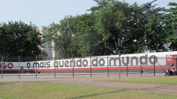 Fla muda slogan e estampa na Gávea: o mais querido do mundo