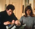 John Travolta e Kirstie Allen em cena de 'Olha quem está falando' | Reprodução da internet