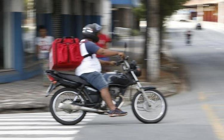 Justiça de SC reconhece vínculo de trabalho entre motoboys e operadora de empresa aplicativo