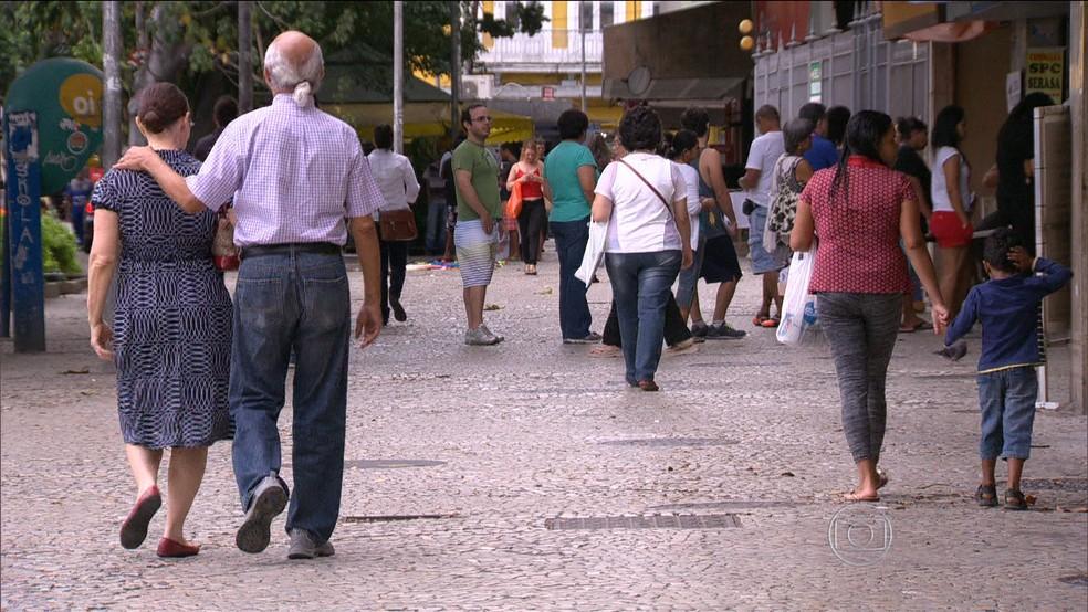 Sobe expectativa de vida dos brasileiros para 76 anos (arquivo) — Foto: TV Globo