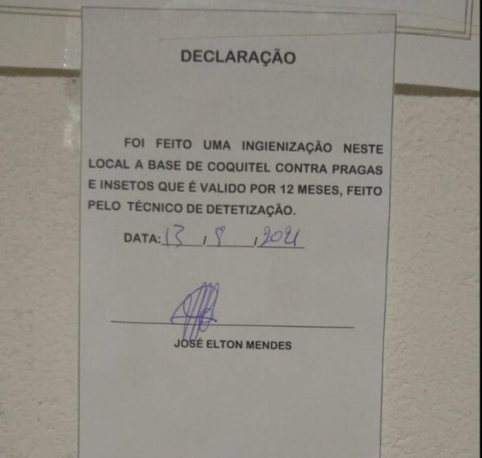 Golpista atesta higienização adequada no estabelecimento — Foto: Divulgação/Vigilância Sanitária de Monteiro -PB