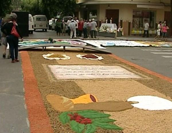 Tapetes em Castelo na região Sul do Espírito Santo (Foto: Reprodução/ TV Gazeta)