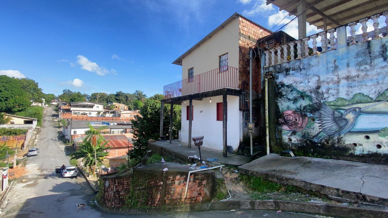 Homem é morto a tiros dentro de kitnet em Manaus