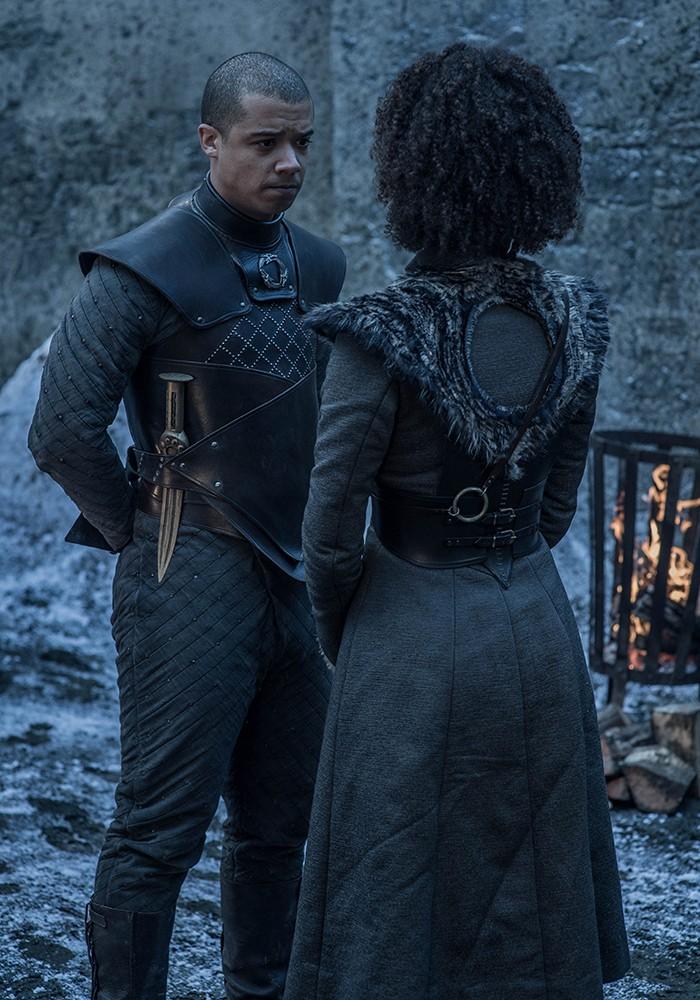 O que será que o casal Verme Cinzento e Missandei está conversando? (Foto: Divulgação)