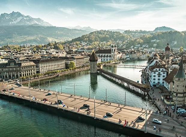 Rios e montanhas cercam Lucerne, agregando uma paisagem natural de calmaria (Foto: Luzern/ Reprodução)