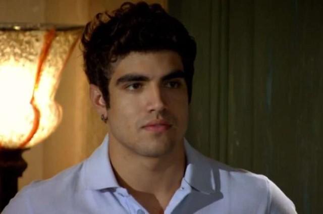 Caio Castro é Antenor em 'Fina estampa' (Foto: Reprodução)