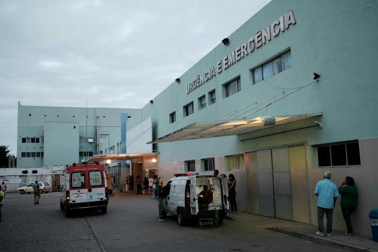 Mulher baleada pelo marido no São Jorge está em estado grave no HGE