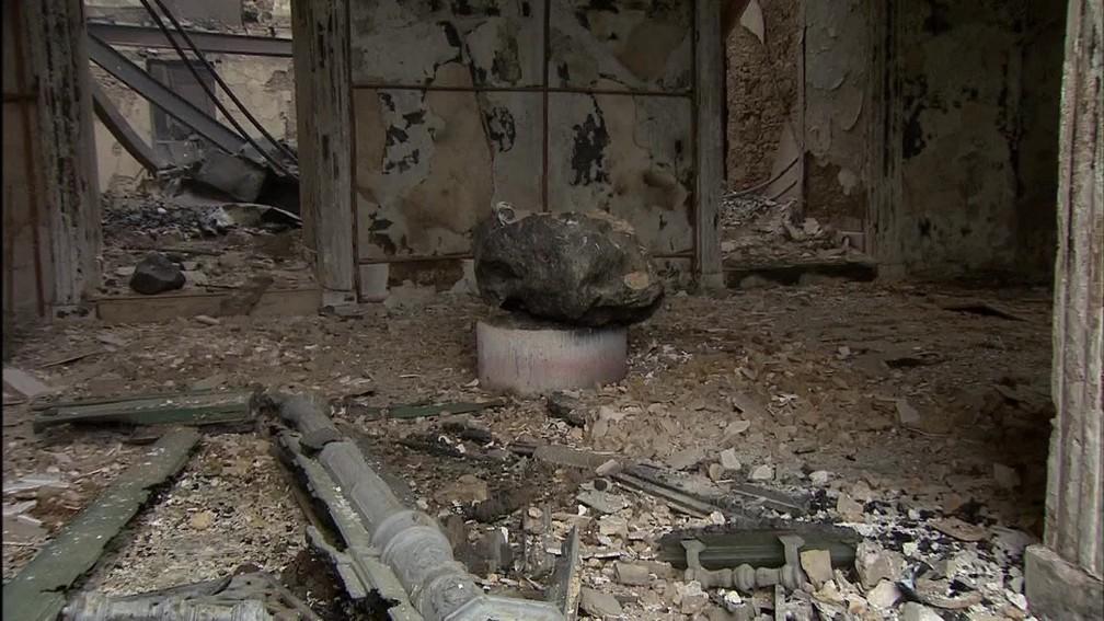 Parte interna dom museu ficou completamente destruída (Foto: Reprodução / TV Globo)